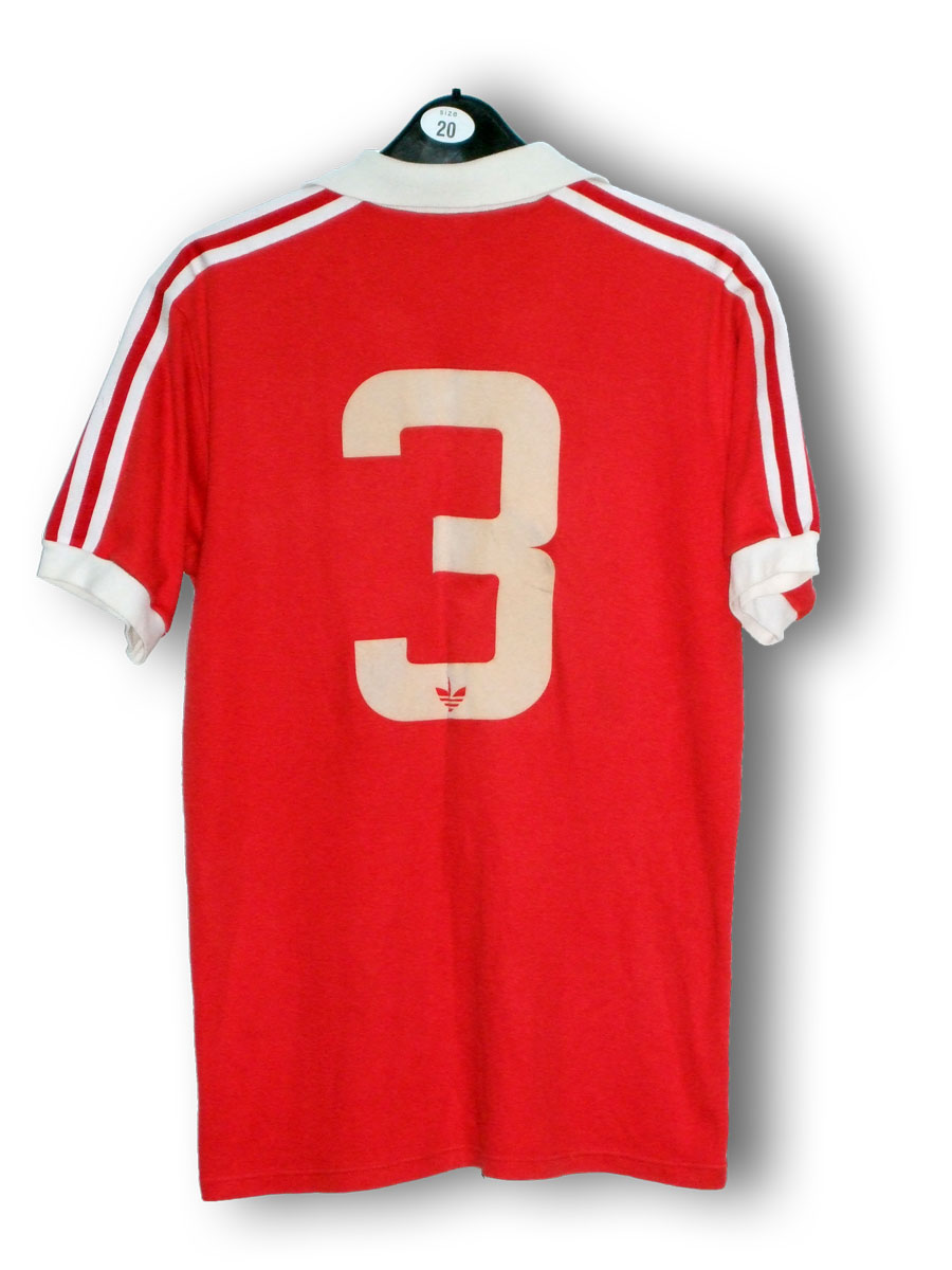 Albiston_home_1980_back