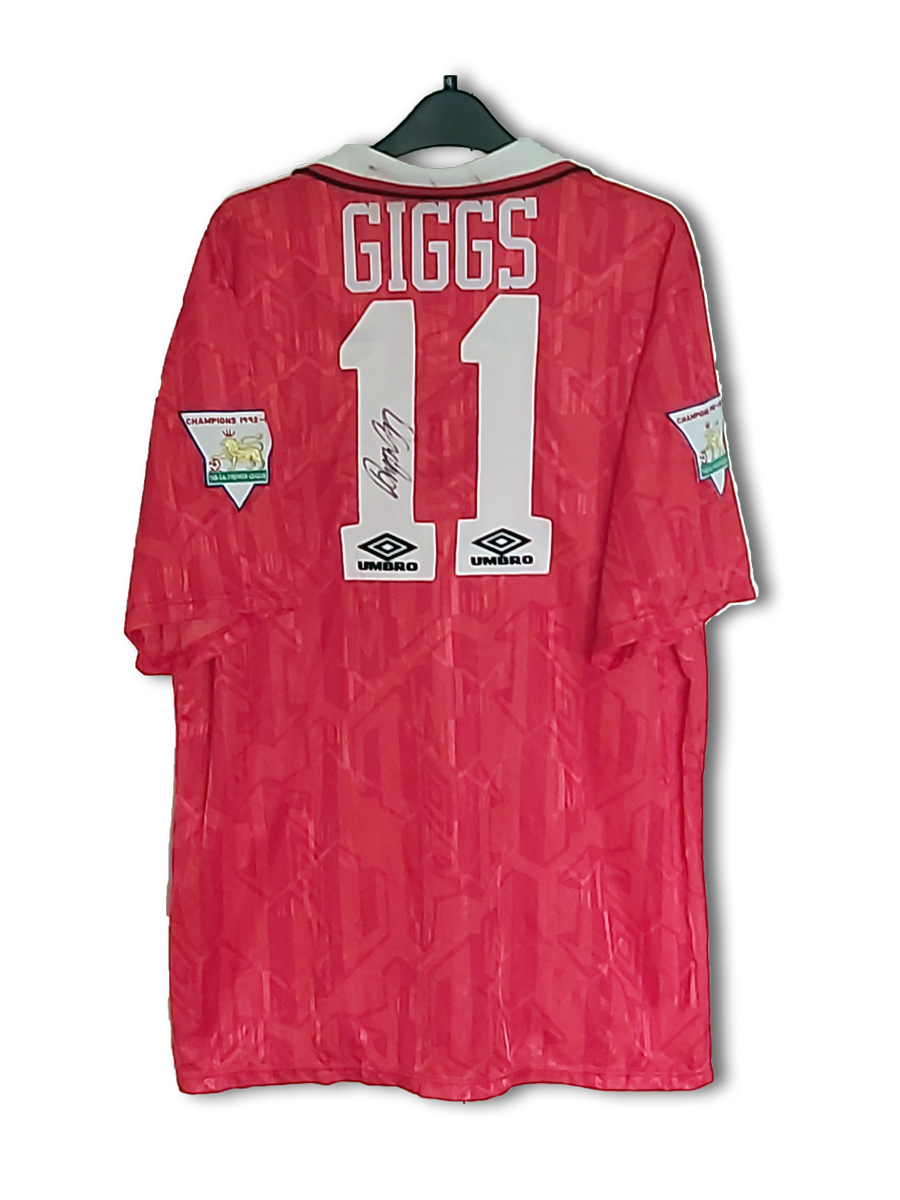 Giggs_home_1993_back