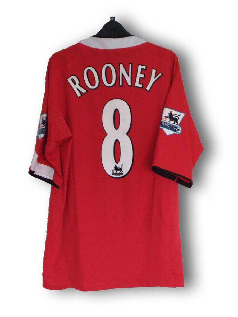 Rooney_home_2004_back