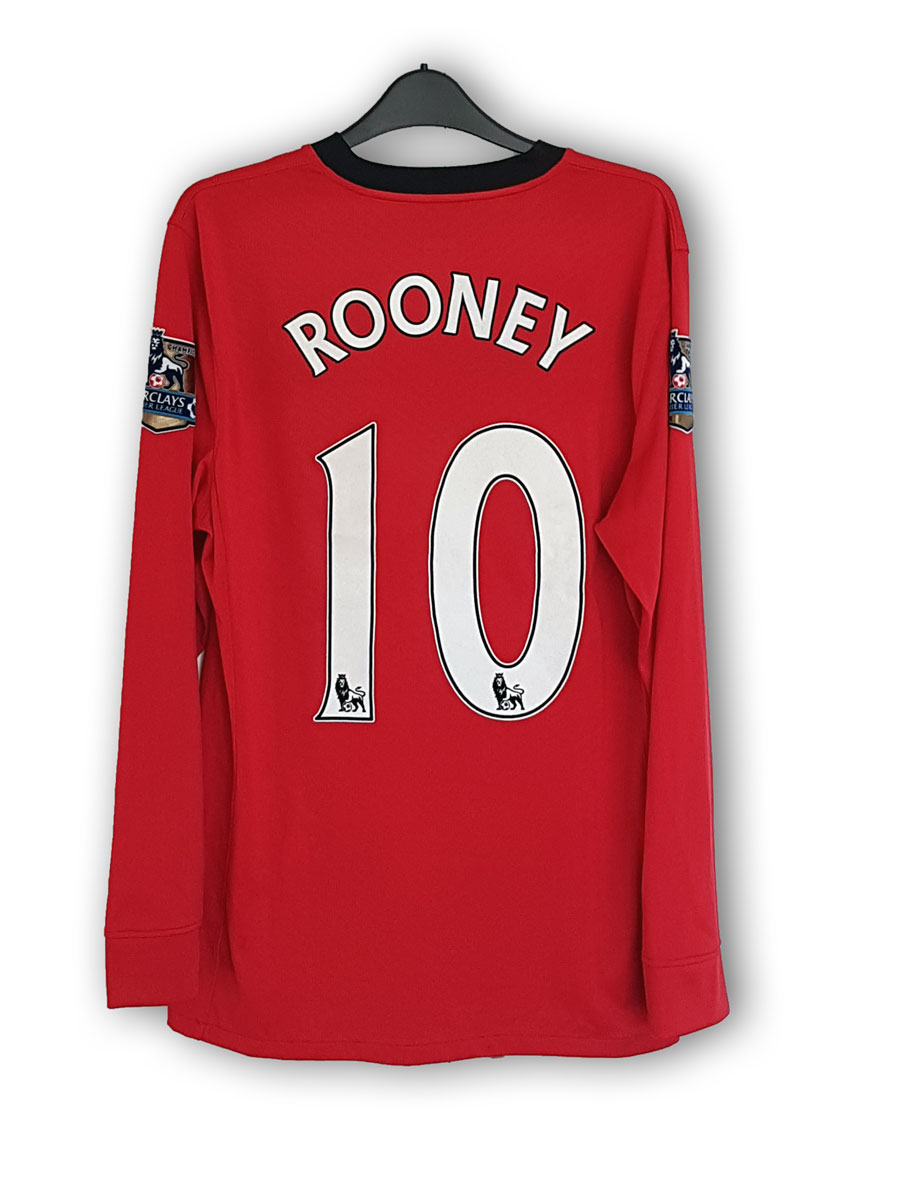 Rooney_home_2009_back